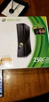 Xbox 360 console and Kinect Pasco County, 34638