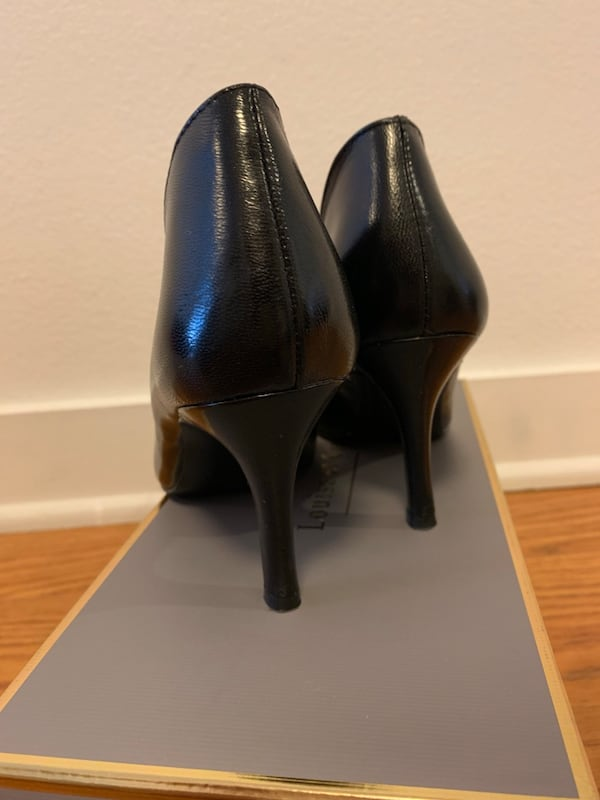 Nine West Black pumps in size 5 BRAND NEW 61f922dd-0dd5-4e5c-acb6-22b1b85e490d
