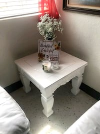 White wooden end table Miami Gardens, 33056