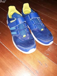 Boys addidas size 3  Winnipeg, R3G 2Y9