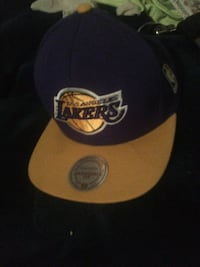 L A Lakers hat London, N5V 1Y9
