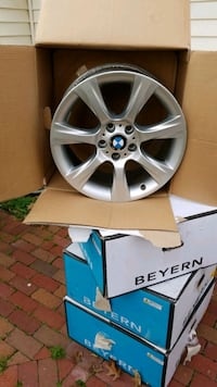 4 BMW rims in excellent condition 18 in