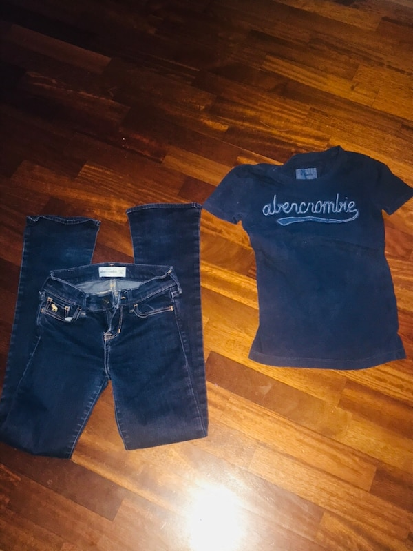 due jeans denim blu e neri