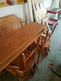 Solid oak table Spruce Grove, T7X 3V6