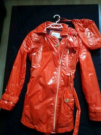 BCBG raincoat with bag Winnipeg, R3M 2K4