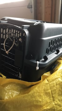 Small pet carrier.  like new condition Vaughan, L4H 0G5