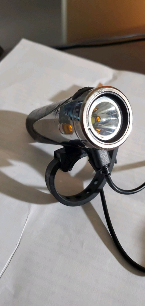 Urban 300 bike light 1