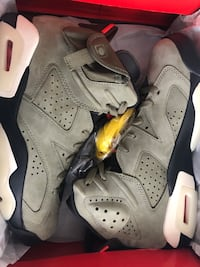 Travis Scott 6s (DS) never worn size 9