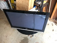 black flat screen TV with remote Gibsonville, 27249