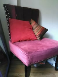 Sweet looking chair  Vancouver, V5X 2R7