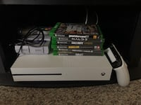 XBOX ONE S 500gb 6 games, 1 controller and rechargeable battery pack Nanaimo, V9T 4T7