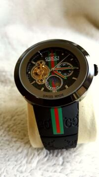 """GUCCI """"Automatic"""" PANTCAON WATCH Silver Spring, 20902"""