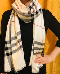 Black and white Burberry scarf in check Calgary, T3J 0A6