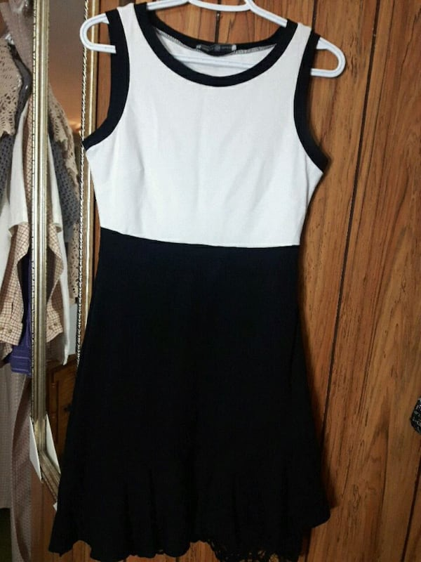 Black and white dress. Fit to Small or Miduiim. 232c3ce3-2a27-4bf4-aaf5-0ee01377a1fb