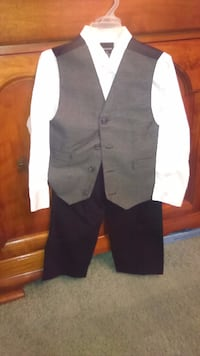 3 piece boys outfit.  New Jersey