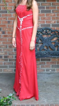 Beautiful prom/pageant/formal dress!!