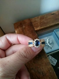 Blue Sapphire with Crystals Cz setting, stamped 18 Albuquerque, 87109