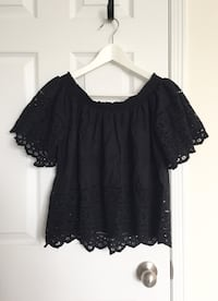 F21 Women's off the shoulder eyelet top size SM- Worn only once Mississauga, L5M 0C5