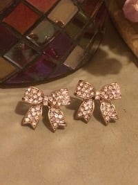 Bow Earrings  Edmonton, T5W 2L5