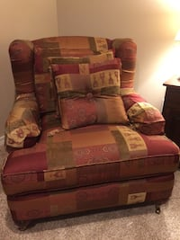 Bassett furniture brand  Red and brown floral sofa chair Fairhope, 36532