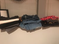 4 pairs of women's dress pants, three pairs of women's jeans 2 bootcut 1 skinny jeans, 2 lula roe, one Nike, one under armour pants  Ranson, 25438