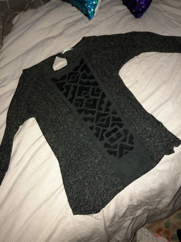 black and gray Pink by VS sweater