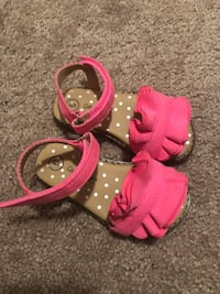 Size 6 toddler girl shoes Fresno, 93727