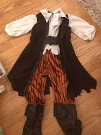 Pirate toddler Halloween costume   Calgary, T2Y 3A5