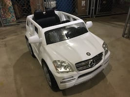 HOME DELIVERY AVAILABLE- Mercedes Benz Ride-On Car