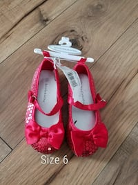 women's size 6 pair of glittered red flats
