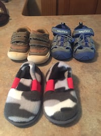 Boys shoes size 5-6 Davenport, 52804