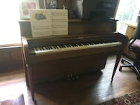 Brown Martin Bros piano (free)  27 km
