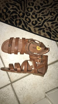 pair of brown leather open-toe sandals Orlando, 32826