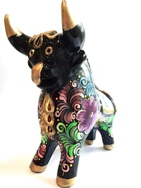 Small Bull of Pucara. Hand painted figurine. Vienna, 22180