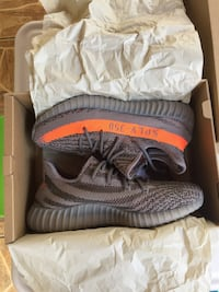 Pair of gray adidas yeezy boost 350 v2 in box Miami, 33186