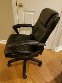 black leather office rolling chair Toronto
