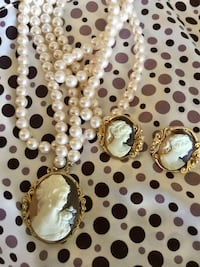 Classy Cameo necklace with matching earrings /  Faux Pearls large beautiful Cameo pendant