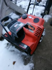 red and black Ariens 722EC snow blower Sterling, 61081