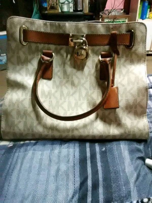 3ddced1932d6 Used Authentic Michael Kors EW Signature Hamilt for sale in ...