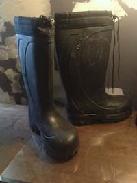 Hardly used Nat's Brand boots made for winter/rain Winnipeg