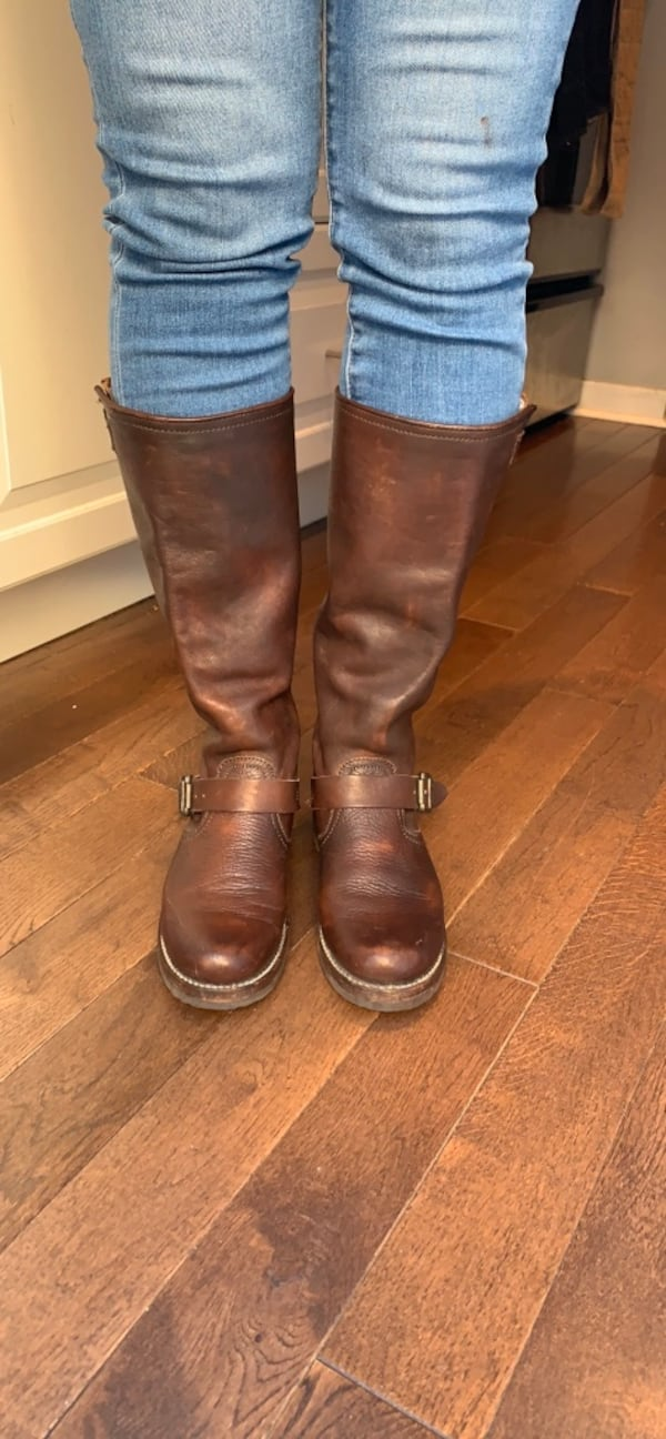 FRYE leather boots size 7 b100a9e9-4f79-485b-851d-33bf5069ba49