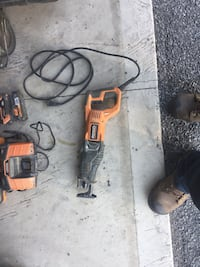 DeWalt cordless hand drill with charger Baldwinsville, 13027