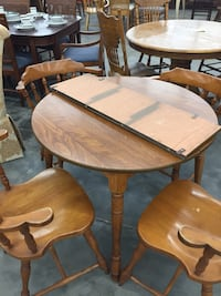 Round dining table with 4 chairs  Bradenton, 34207
