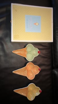 7 Ice cream bowls from pottery barn Mississauga, L5L