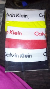 Tres clasificado color amarillo, rojo y negro Calvin Klein briefs Madrid, 28053
