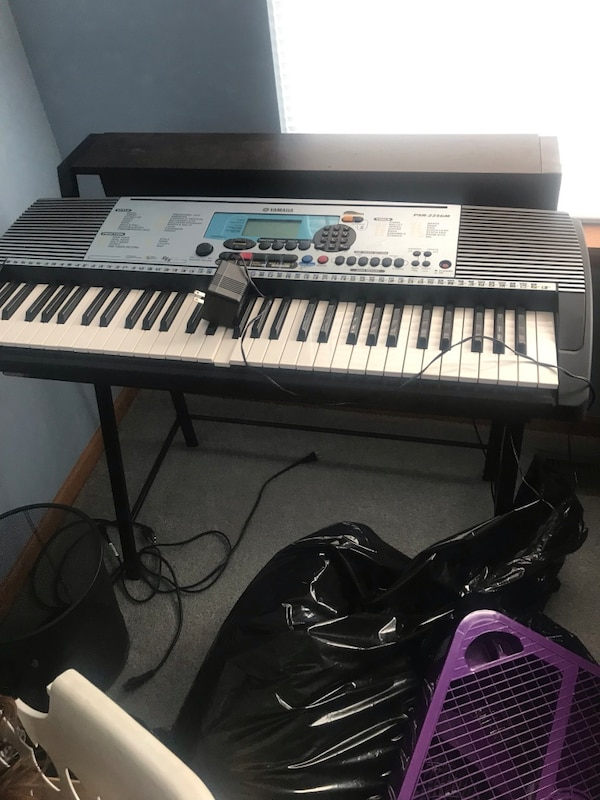Yamaha keyboard PSR 225GM