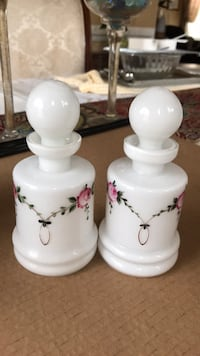 decorative bottles with flower decors. Very cute. 30 km