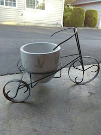Bicycle plant pot and metal stand