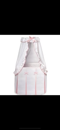 baby's white and pink bassinet Cayce, 29033