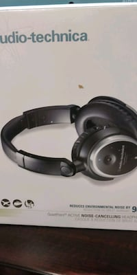 black and gray Bose wireless headphones Elgin, 60120